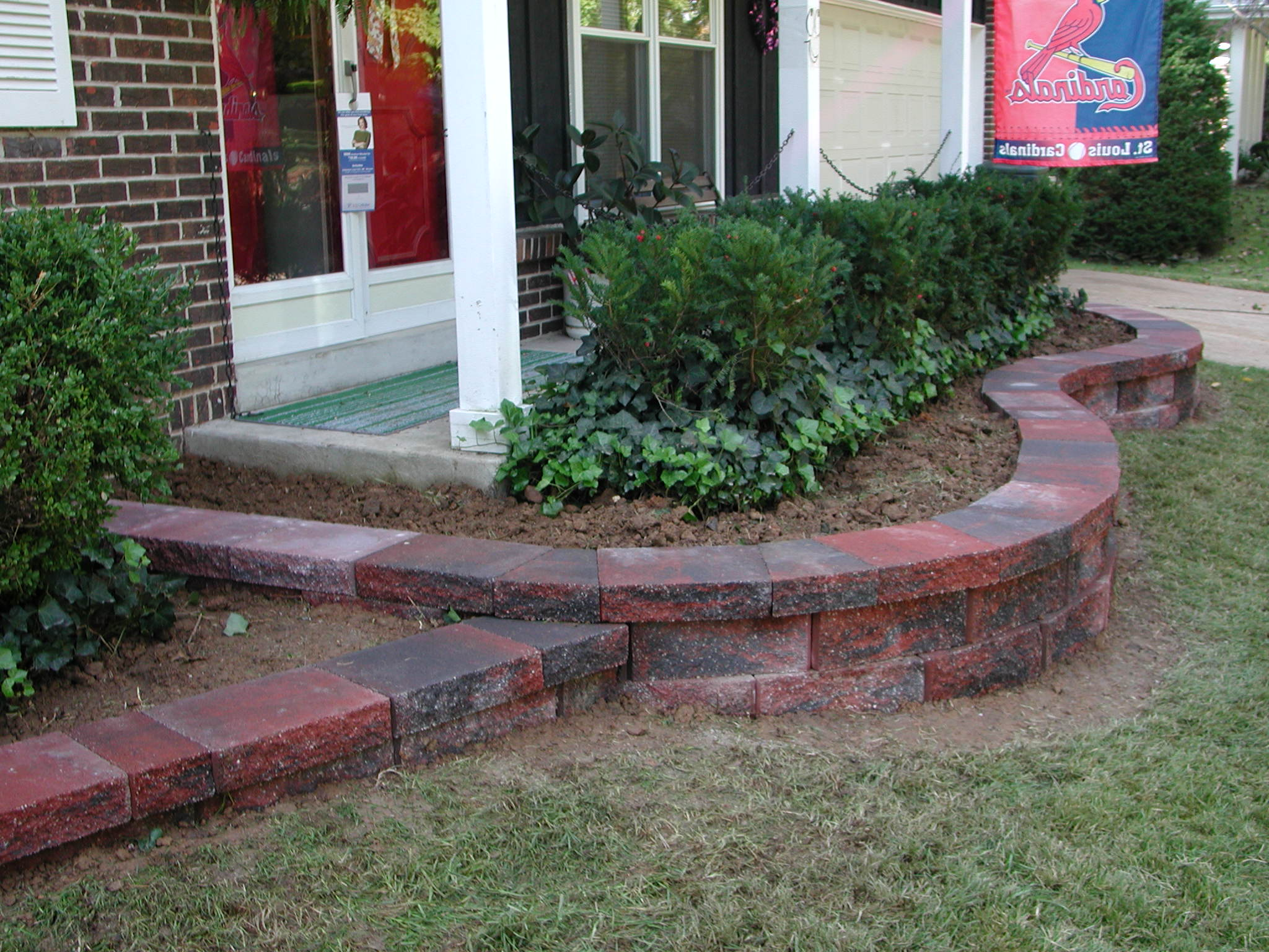 Block retaining walls landscaping st louis landscape for Landscape retaining wall design
