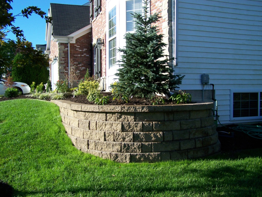 Block retaining walls landscaping st louis landscape for Outdoor landscaping