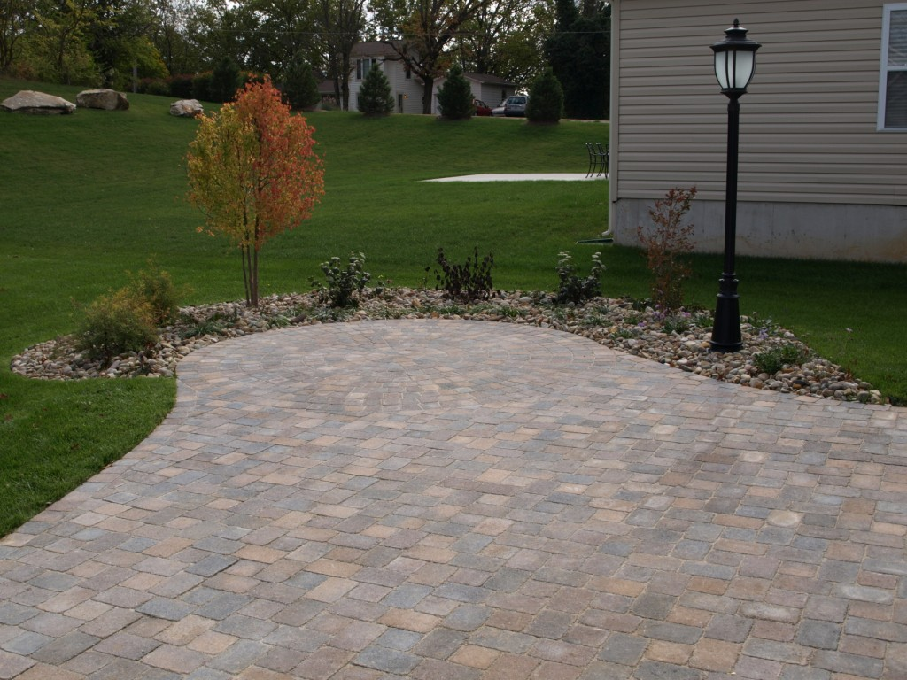 Pavers flagstone landscaping st louis landscape for Landscape design st louis