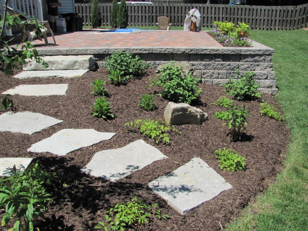 Pavers flagstone landscaping st louis landscape for Outdoor landscaping